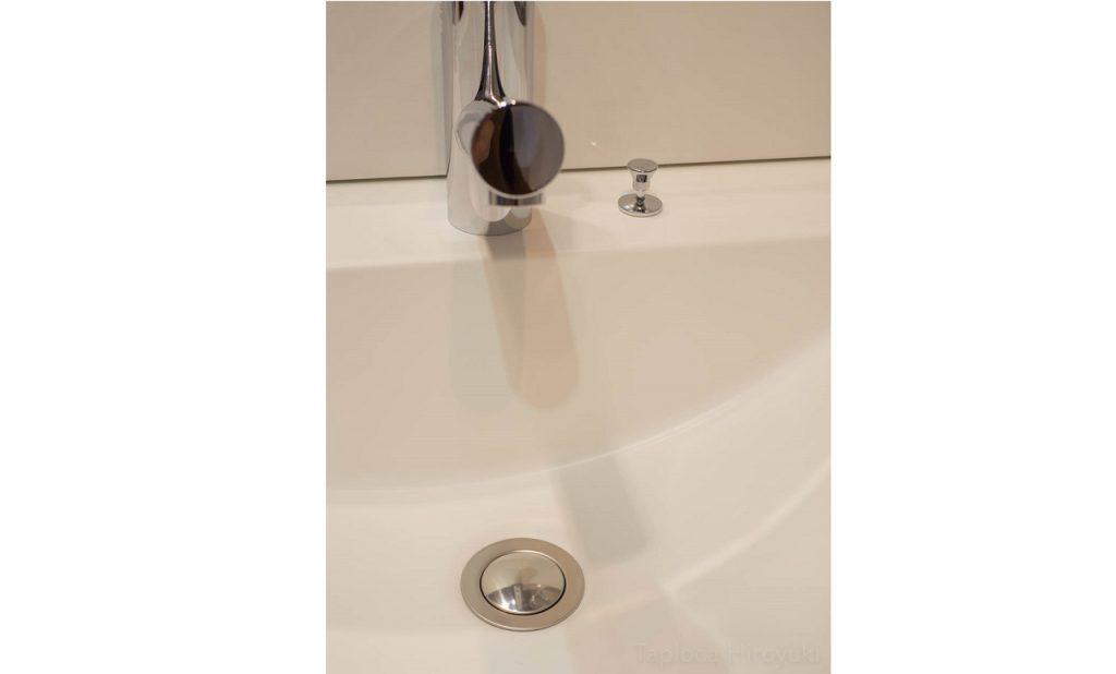 洗面化粧台のレバーを押しても排水弁が作動しない