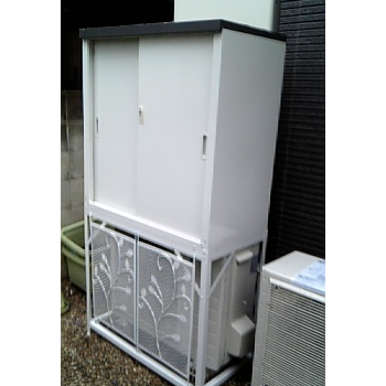 エアコン室外機カバー+収納庫HS-92セット AC-78MM-HS-92設置写真<杉並区W様>