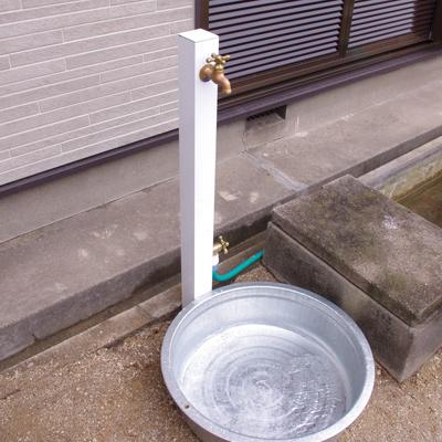 立水栓ユニット コロル(ブラウンとホワイト)の設置写真<愛知県S様>