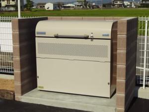 ヨドコウ ゴミ収集庫 ダストピット DPUB-800の設置写真<和歌山市K様>