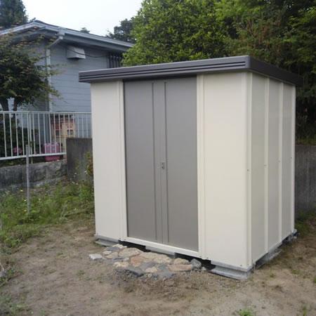 サンキン物置 GC-90に家庭菜園の道具を収納